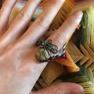 Vintage Jewelry - Artisan Copper Stone Crystal Green Ring Bohemian